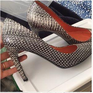 Vía Spiga heels